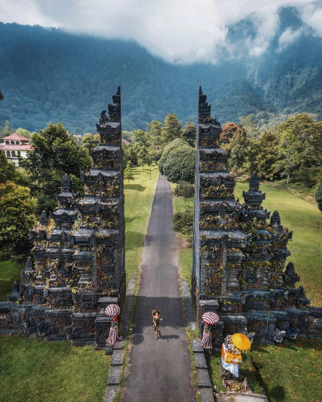 Ворота Чанди Бентар