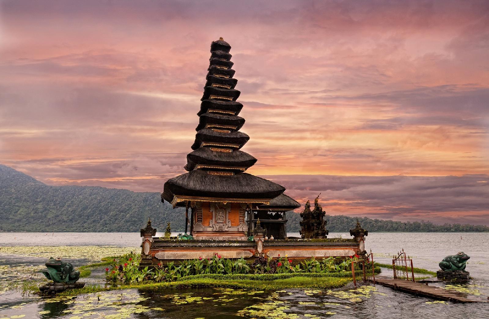 Храм на воде - Достопримечательность на Бали