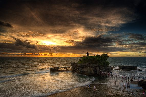 Храм Тана-Лот на Бали